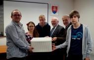 Tri slovenské školy odštartovali chemické projekty